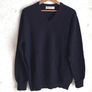 Burberry men's navy blue v-neck cashmere sweater
